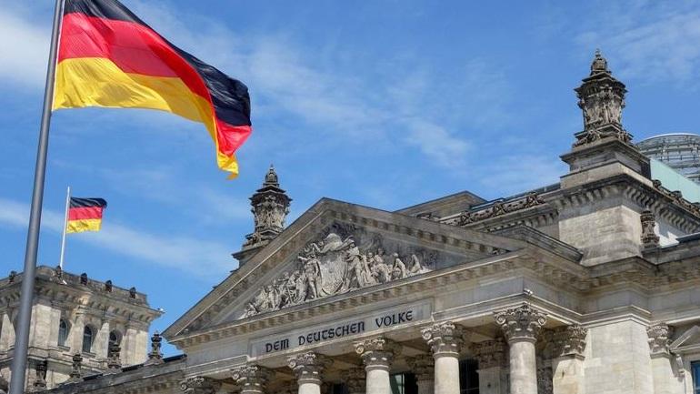 Γερμανικά ΜΜΕ: Γιατί όχι κυβέρνηση μειοψηφίας;