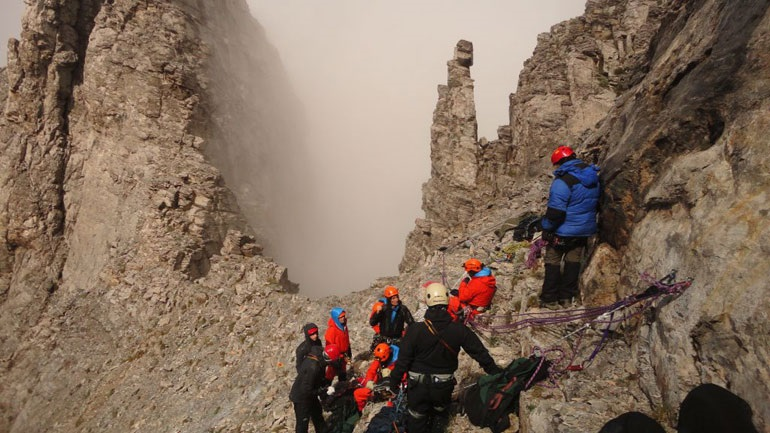 Τραγωδία στον Όλυμπο - Ανασύρθηκε νεκρός ορειβάτης που έπεσε σε χαράδρα