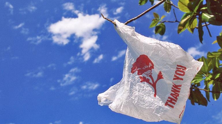 1200b85b3c Με χρέωση οι πλαστικές σακούλες από την αρχή του χρόνου