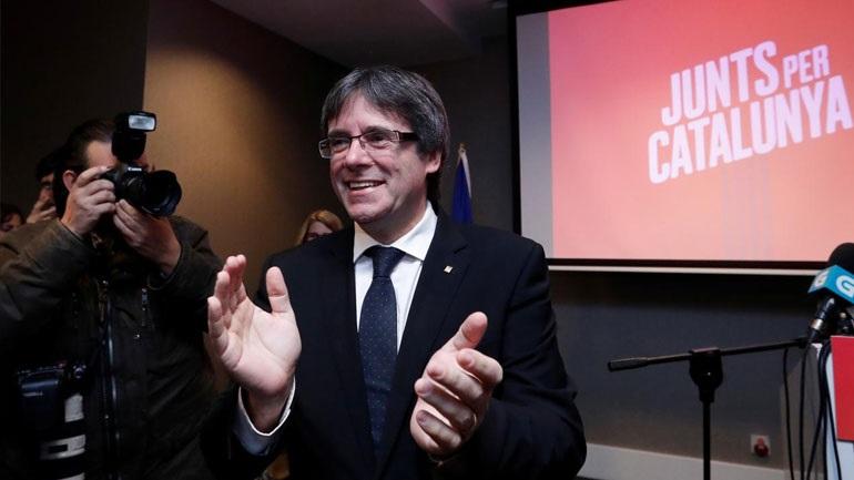 Καταλονία: Ο Κάρλες Πουτζντεμόν χαιρετίζει μια νίκη «που δεν μπορεί να αμφισβητήσει κανένας»