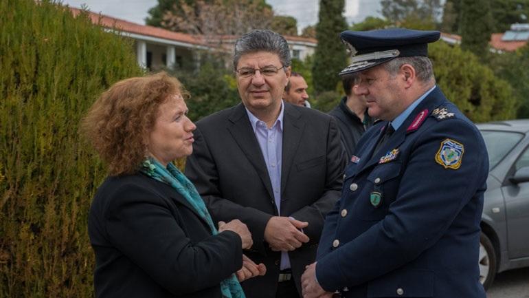 Προσφορά ειδών πρώτης ανάγκης από την Ελληνική Αστυνομία