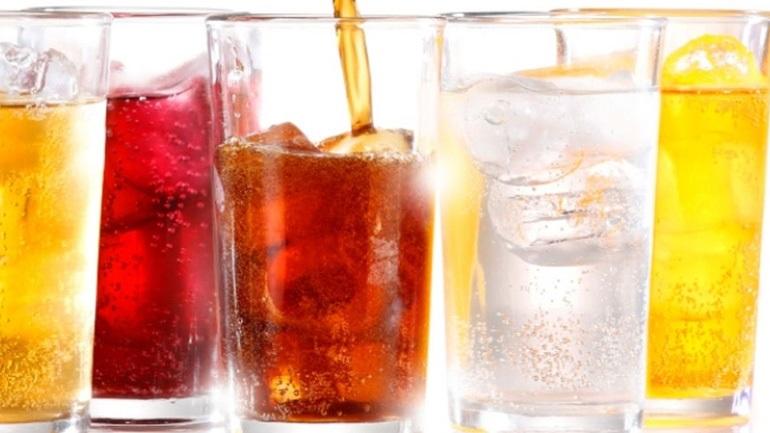 Επικίνδυνα τα ζαχαρούχα αναψυκτικά για την υγεία μας