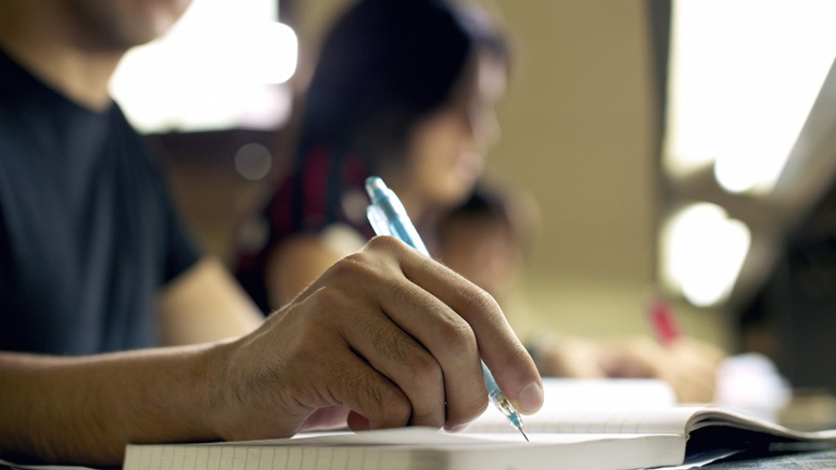 Αρχές Ιουνίου οι Πανελλαδικές - Μία εβδομάδα μετά τις απολυτήριες εξετάσεις