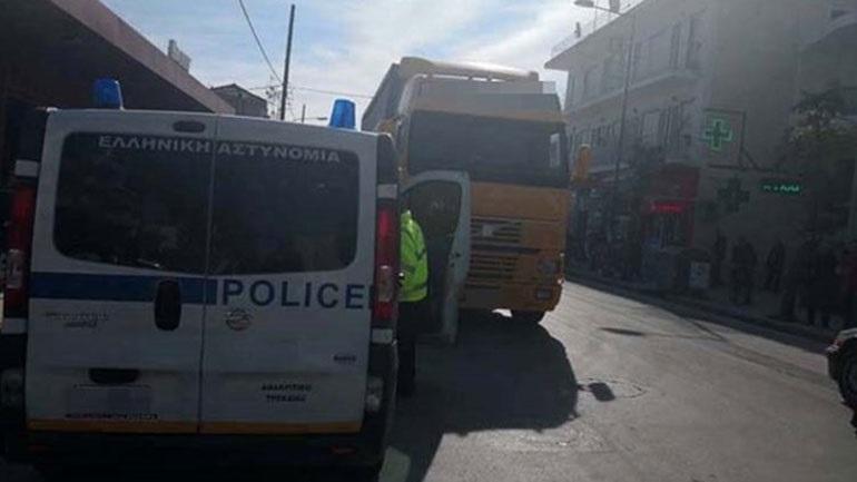 Φορτηγό παρέσυρε πεζό στη Λάρισα  2401620