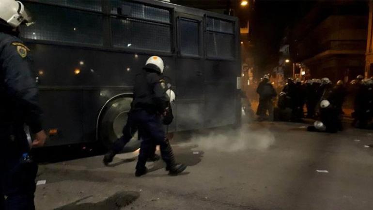 Θεσσαλονίκη: Επεισόδια μεταξύ οπαδών του Άρη και των ΜΑΤ