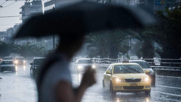 Παραμένει άστατος ο καιρός με βροχές και καταιγίδες σε πολλές περιοχές