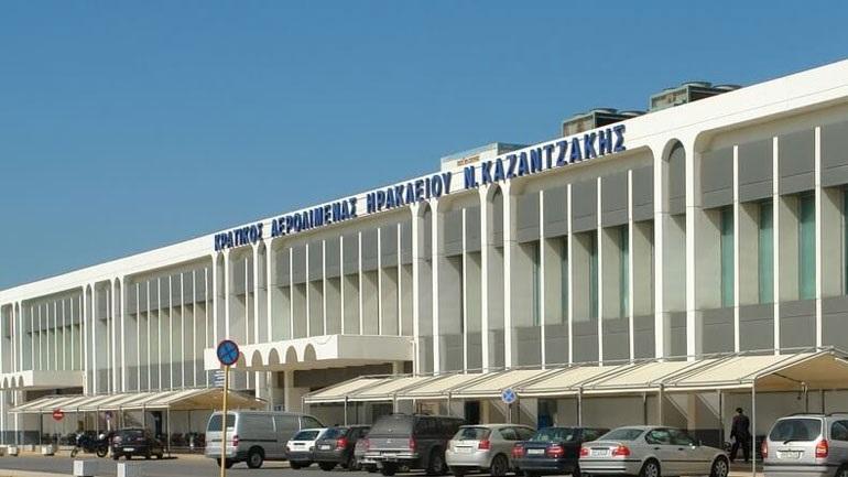 Χειροπέδες σε Τούρκους στο αεροδρόμιο Ηρακλείου για πλαστά έγγραφα