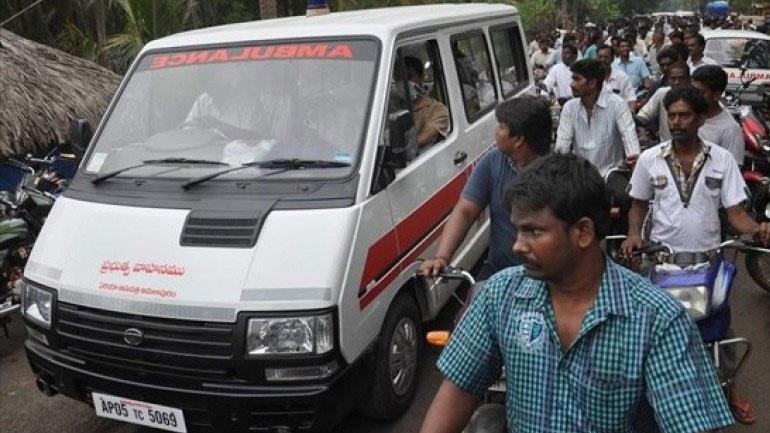 Ινδία: Λεωφορείο έπεσε σε χαράδρα - Τουλάχιστον 55 νεκροί