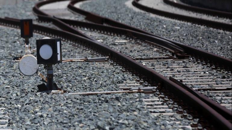 Εκτροχιάστηκε μηχανή τραίνου στην γραμμή Αθήνα - Θεσσαλονίκη