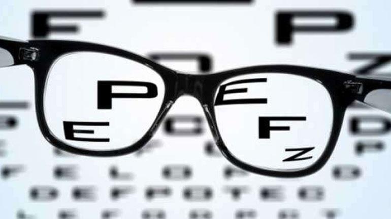 cef4b52b45 «Πόλεμος» ΕΟΠΥΥ - οπτικών για τα γυαλιά οράσεως