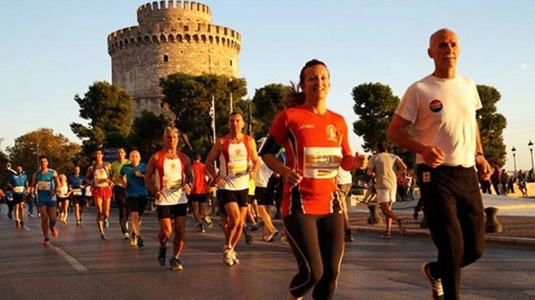 Κυκλοφοριακές ρυθμίσεις στη Θεσσαλονίκη λόγω του Νυχτερινού Ημιμαραθωνίου
