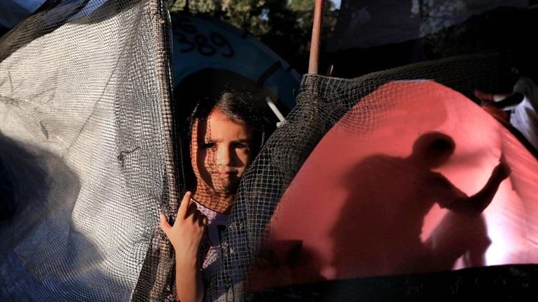 Newsweek: Συστηματική κακοποίηση παιδιών στη Μόρια