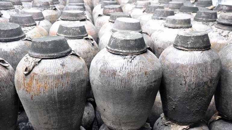 Κίνα: Υγρό με οσμή κρασιού ανακαλύφθηκε σε δοχείο 2.000 ετών