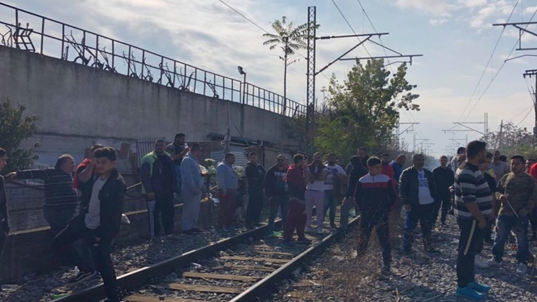 Larissa: The residents stopped the railway line at the height of Nea Smyrna.