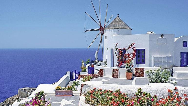 Γερμανικός Τύπος: Θα έχει ο ελληνικός τουρισμός την τύχη του Ίκαρου;