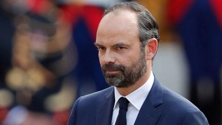 Γαλλία: Η κυβέρνηση ακυρώνει την αύξηση της φορολογίας στα καύσιμα