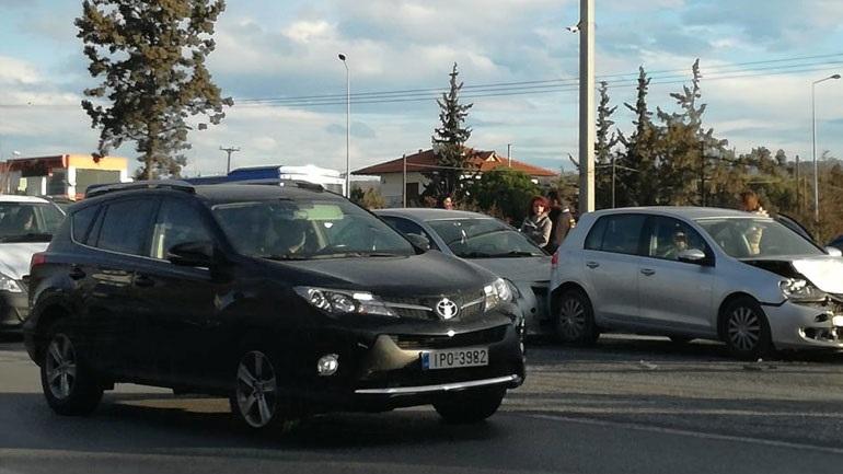 Θεσσαλονίκη: Πολλαπλή καραμπόλα στην εθνική οδό προς Χαλκιδική