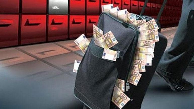 Υπάλληλοι της ΑΑΔΕ με αδικαιολόγητη περιουσία 4,4 εκατ. ευρώ