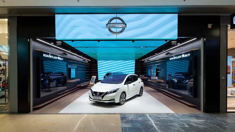 H Nissan άνοιξε το πρώτο κατάστημα σε εμπορικό κέντρο