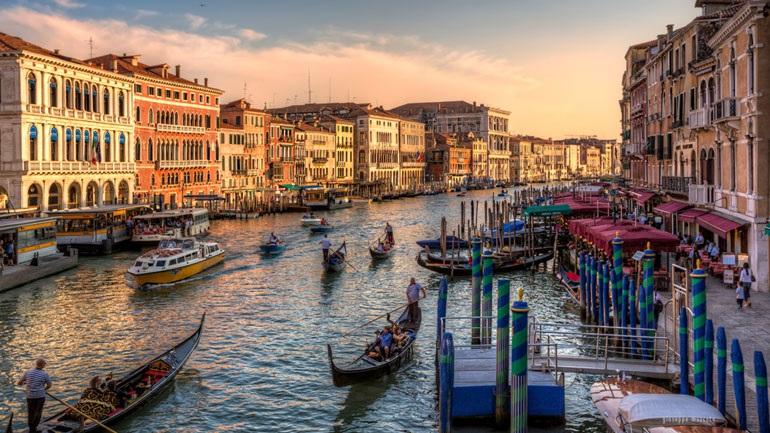Ιστορικό υψηλό για τη στάθμη των υδάτων στη Βενετία