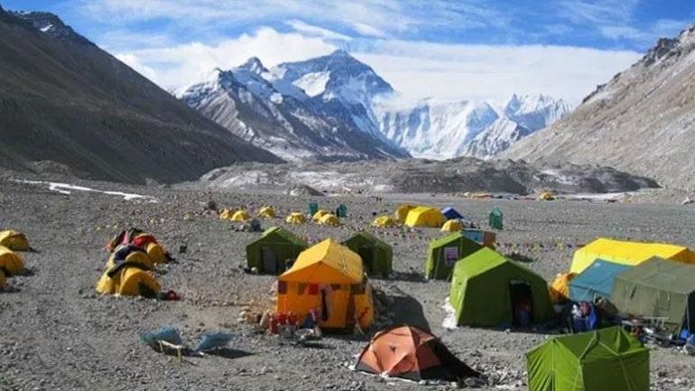 Κίνα: Σύντομα θα εγκατασταθούν στο Έβερεστ «οικολογικές» τουαλέτες σε υψόμετρο 7.000 μέτρων