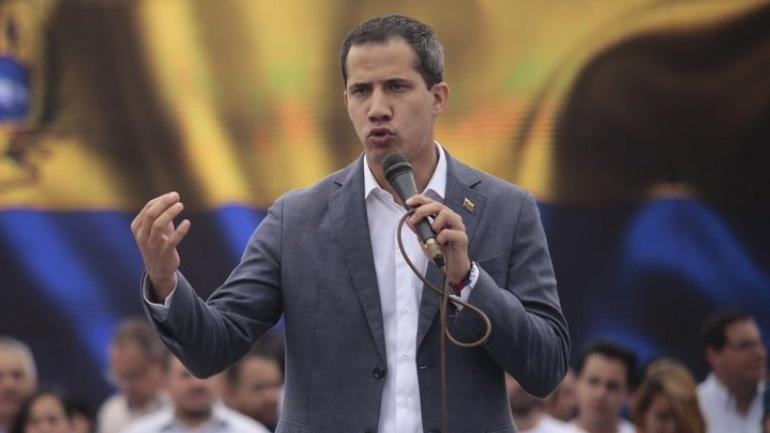 Βενεζουέλα: Ο Χουάν Γκουαϊδό ζητεί να συνεχιστούν και σήμερα οι διαδηλώσεις