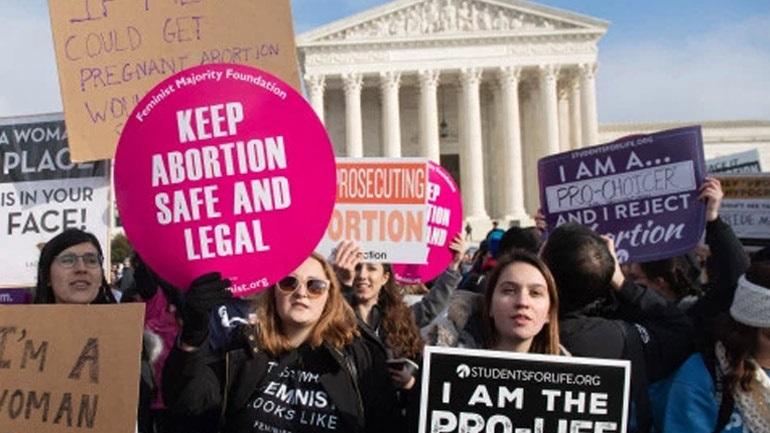 ΗΠΑ: Νόμο που απαγορεύει τις αμβλώσεις ακόμη και στις περιπτώσεις βιασμών ή αιμομιξίας υιοθέτησε το Μιζούρι