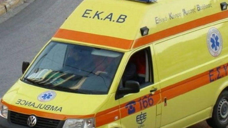 Σφοδρή σύγκρουση οχημάτων στη Λ. Συγγρού