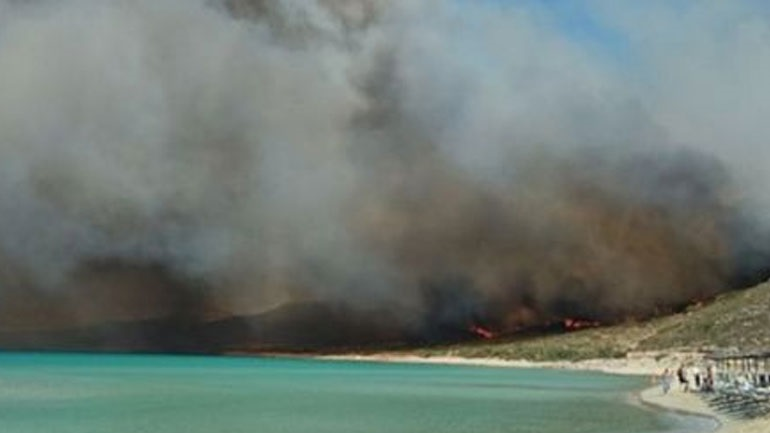 Η Ελαφόνησος βρίσκει τους ρυθμούς της μετά τη φωτιά - Kαταγράφονται νέες αφίξεις τουριστών