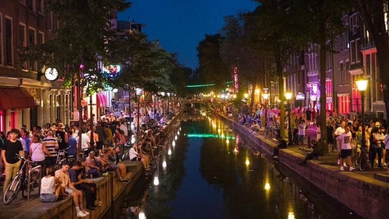 ραντεβού με Ολλανδία