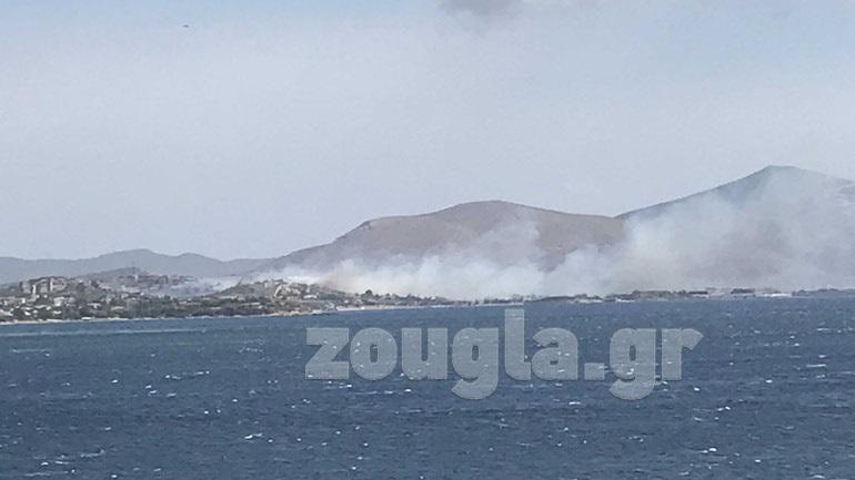 Φωτιά στο Λαγονήσι - Οι φλόγες μαίνονται κοντά σε σπίτια