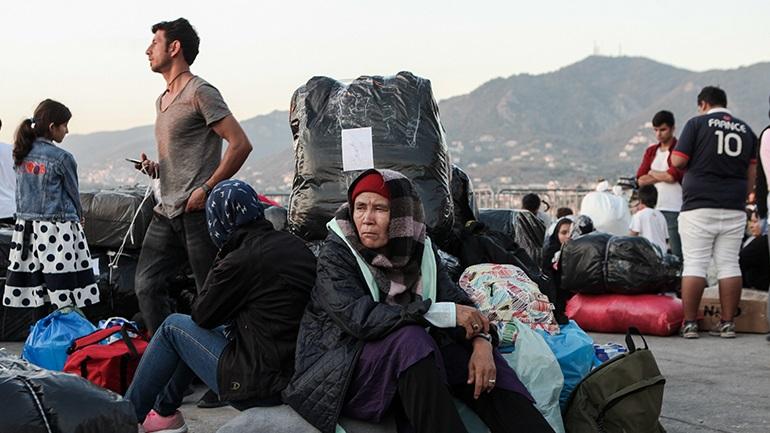 Έκτακτη σύσκεψη στο Μαξίμου για το προσφυγικό