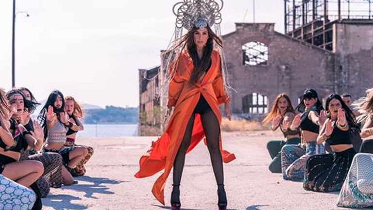 Αέρας Bollywood στο νέο εντυπωσιακό βίντεο κλιπ της Γιάννας Τερζή