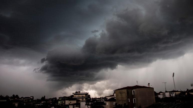 Ραγδαία επιδείνωση του καιρού - Καταιγίδες, βροχές και πτώση της θερμοκρασίας