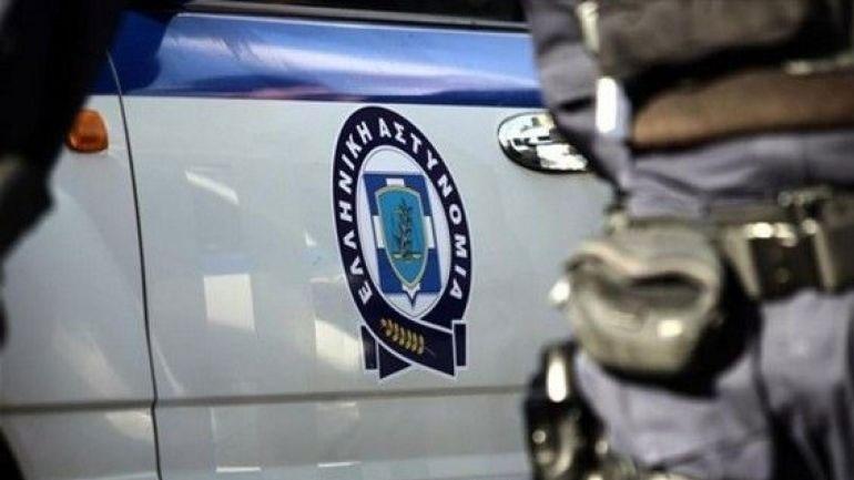Ελεύθερος με περιοριστικούς όρους ο ένας αστυνομικός που είχε συλληφθεί για χρηματισμό στα Μέγαρα