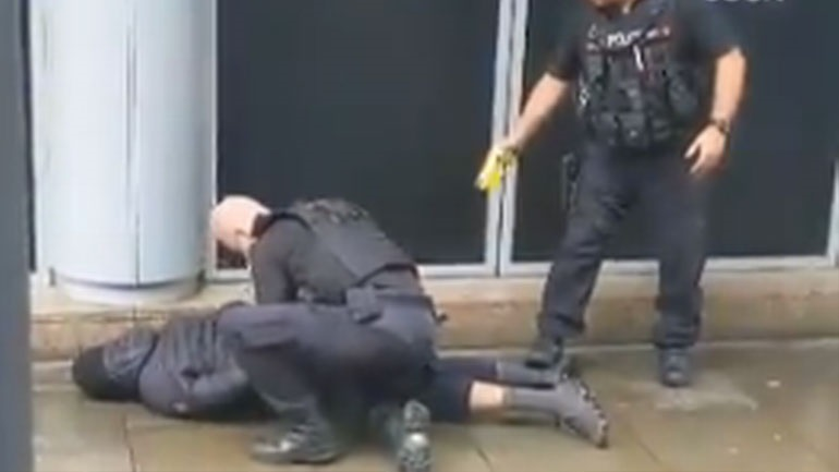 Επίθεση σε εμπορικό κέντρο του Μάντσεστερ