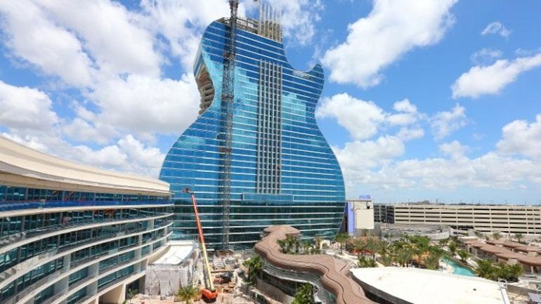 Άνοιξε το πρώτο ξενοδοχείο σε σχήμα κιθάρας, στη Φλόριντα των ΗΠΑ