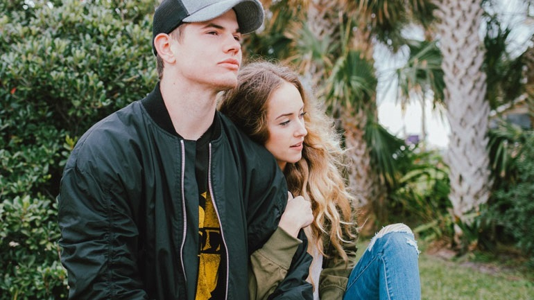 Dating μετά από μια σχέση ελέγχου
