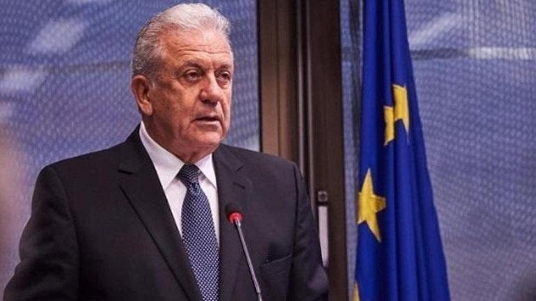 Αβραμόπουλος: Προς τη σωστή κατεύθυνση ο νόμος για το μεταναστευτικό