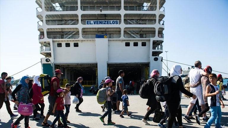 Στο λιμάνι του Πειραιά δύο πλοία με 179 πρόσφυγες και μετανάστες από νησιά του ανατολικού Αιγαίου
