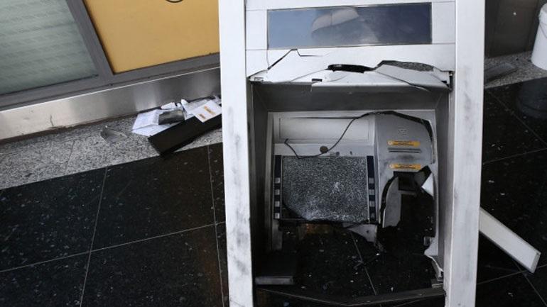 Εμπρηστική επίθεση σε ΑΤΜ τα ξημερώματα στου Γκύζη