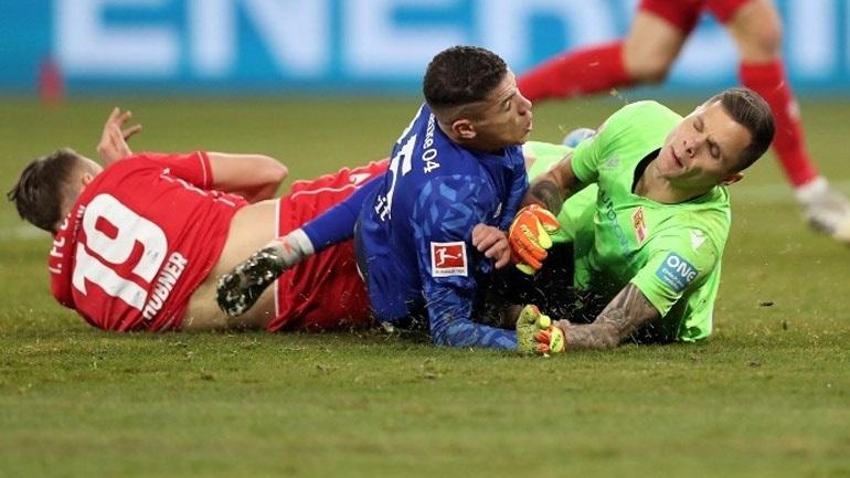 Bundesliga: Στην κορυφή η Σάλκε