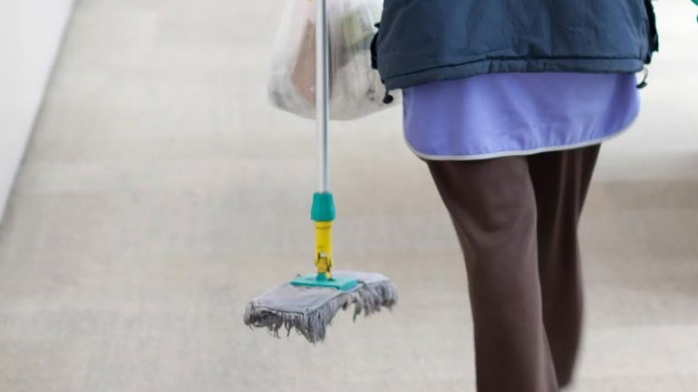Εξασφαλίστηκαν οι πιστώσεις για την πληρωμή των σχολικών καθαριστριών