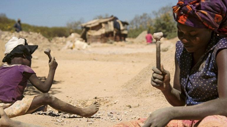 Ακτιβιστές κατά κολοσσών της τεχνολογίας για την εκμετάλλευση παιδιών στο Κονγκό
