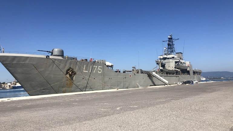 """Στο λιμάνι Μυτιλήνης το αρματαγωγό """"Ικαρία"""" για φιλοξενία αιτούντων άσυλο ευάλωτων κατηγοριών"""