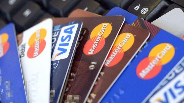 """Οι τράπεζες αντικατέστησαν τις 15 χιλιάδες κάρτες, που """"χάκαραν"""" επιτήδειοι"""