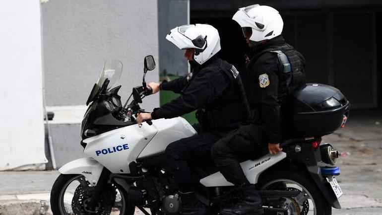 Επίθεση σε αστυνομικούς στην Ακαδημίας