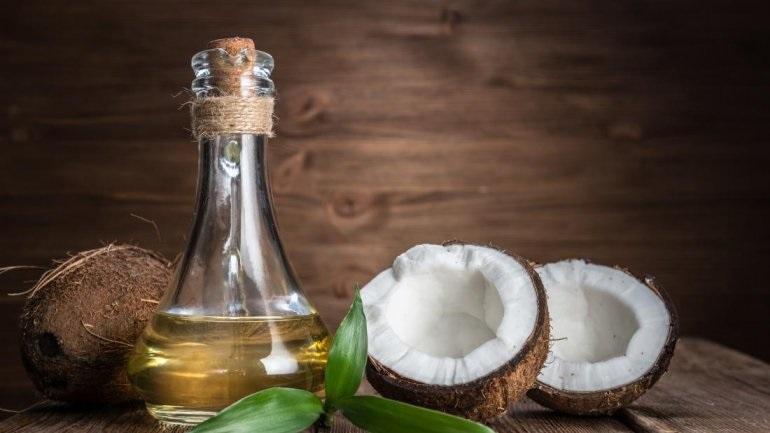 Kάνει το λάδι καρύδας καλό στην υγεία;