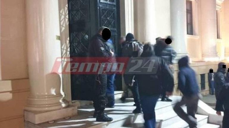 Πάτρα: Ελεύθερα αφέθηκαν μετά την απολογία τους πέντε μέλη από τη σπείρα των χρηματοκιβωτίων