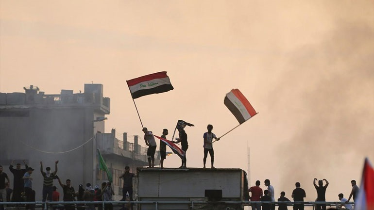 Ιράκ: Δυνάμεις ασφαλείας συγκρούονται με εκατοντάδες διαδηλωτές στο κέντρο της Βαγδάτης